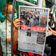 "Hongkonger kaufen aus Protest Zeitung ""Apple Daily"""