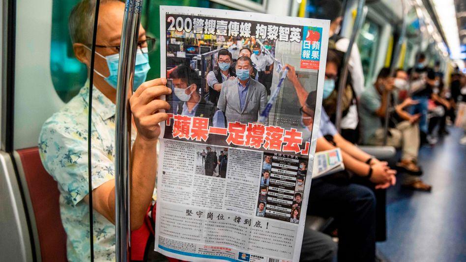 """""""Apple Daily muss weiter kämpfen"""" - heißt es auf der Titelseite der Hongkonger Tageszeitung"""