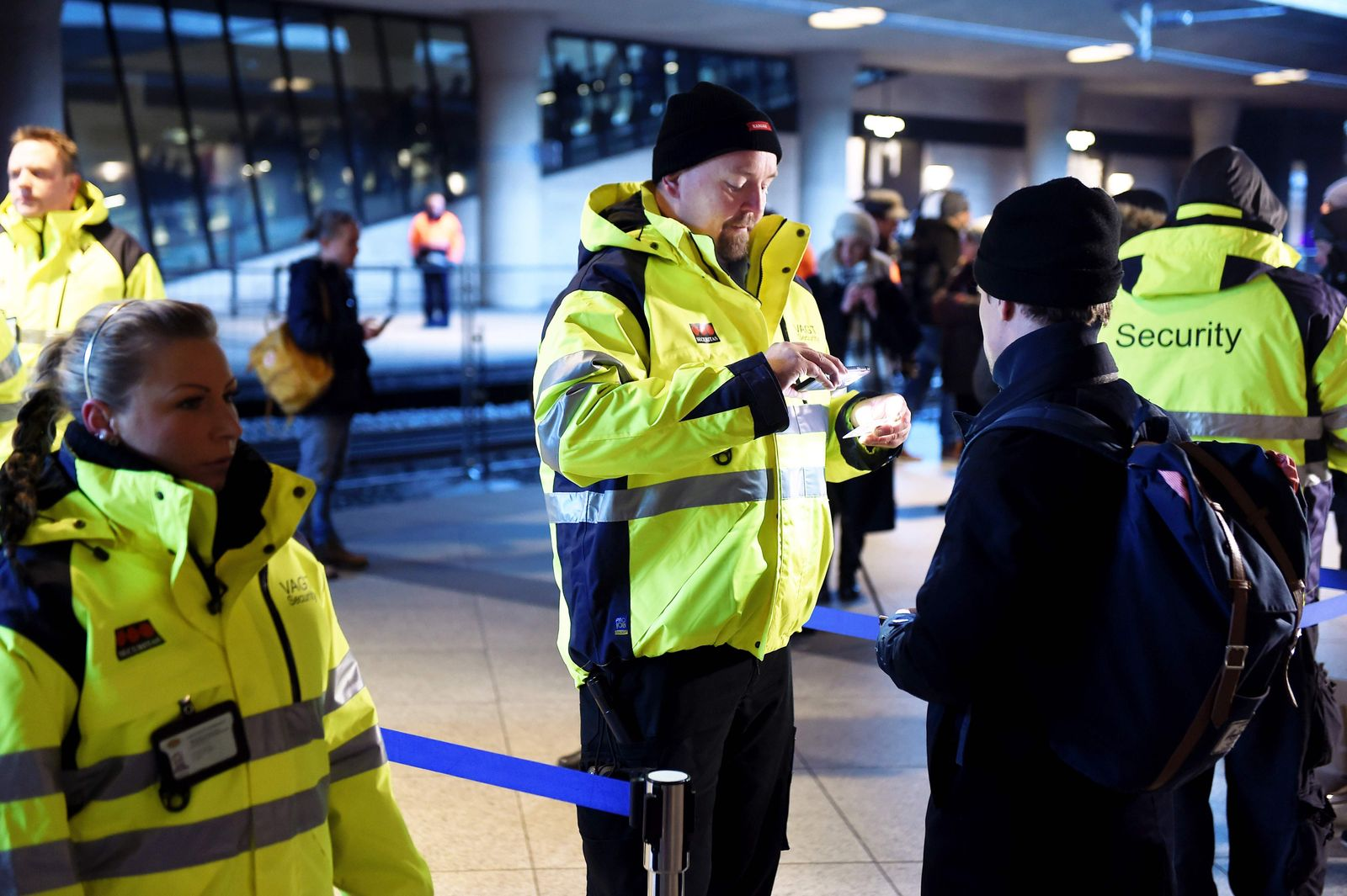 SWEDEN-TRAVEL-RESTRICTION-DENMARK-EUROPE-MIGRANTS