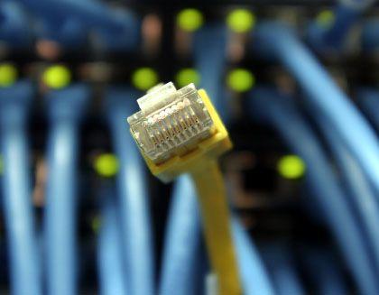 Netzwerkkabel: Internet-Provider Comcast verlangsamt die Internetanbindung von Kunden, die zu viele Daten saugen