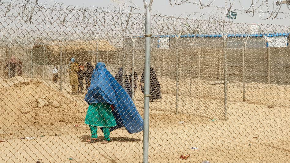 Afghanische Frauen an der pakistanischen Grenze (Symbolbild)