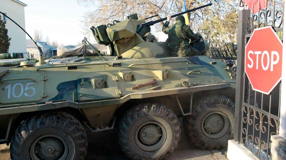 Panzer auf der Krim: Ein Weltereignis künstlich kleinmachen
