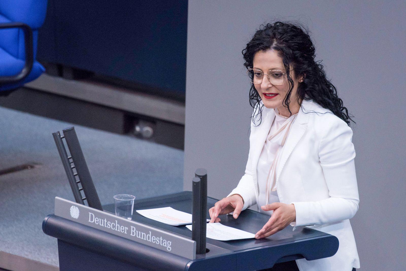 Berlin, Plenarsitzung im Bundestag Deutschland, Berlin - 07.05.2020: Im Bild ist Cansel Kiziltepe (spd) w??hrend der Sit