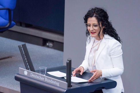 Cansel Kiziltepe im Bundestag