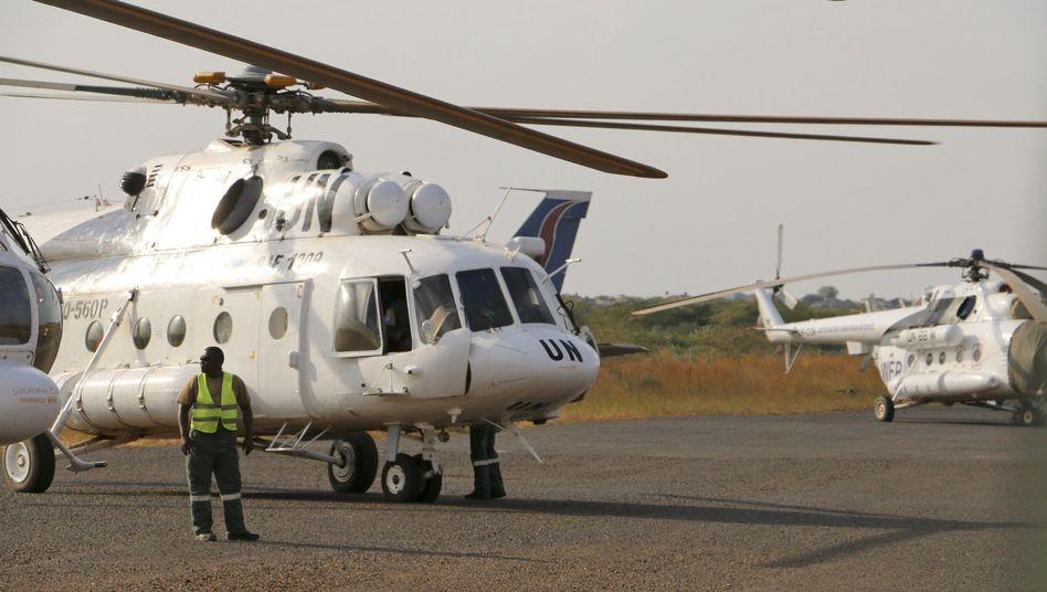 Uno-Hubschrauber in Bor: Zivile Mitarbeiter sollen nach Uganda ausgeflogen werden