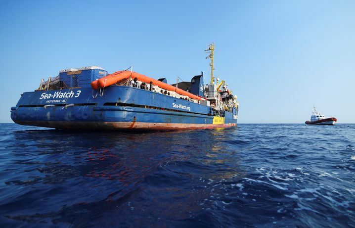 Sea-Watch 3 rescue ship prior to entering port in Lampedusa: The ship is currently being held by the Italian authorities.