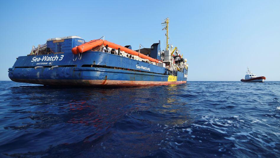 """Seenotrettungsschiff """"Sea-Watch 3"""" im Mittelmeer"""