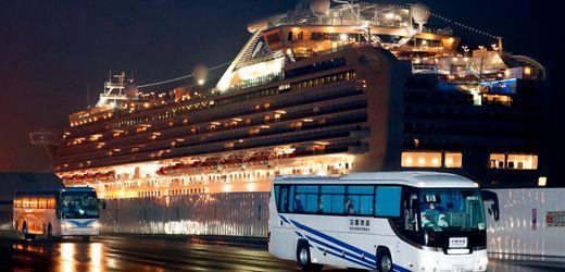 Coronavirus: USA fliegen Landsleute von Kreuzfahrtschiff in Japan aus