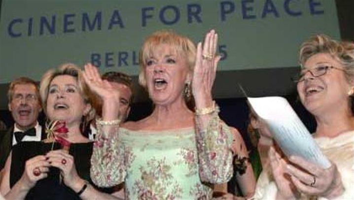 """Cinema for Peace"": Filmreif helfen"