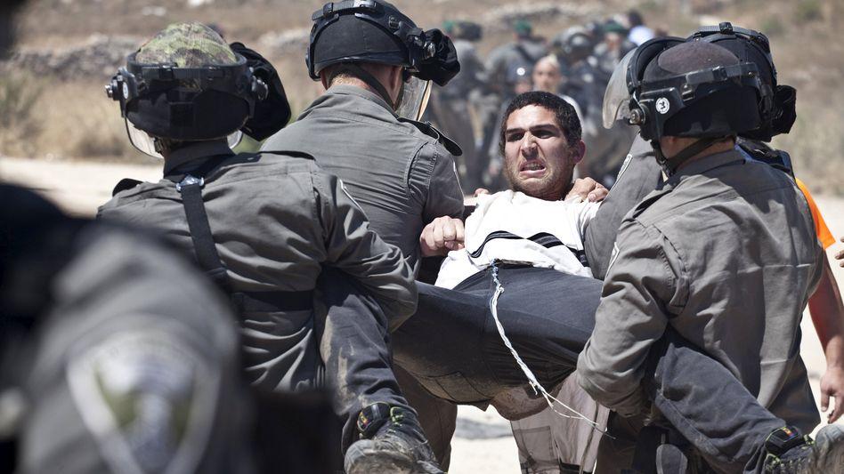 Jüdischer Siedler, israelische Militärpolizisten: Bundesregierung sieht Gewalt mit Sorge