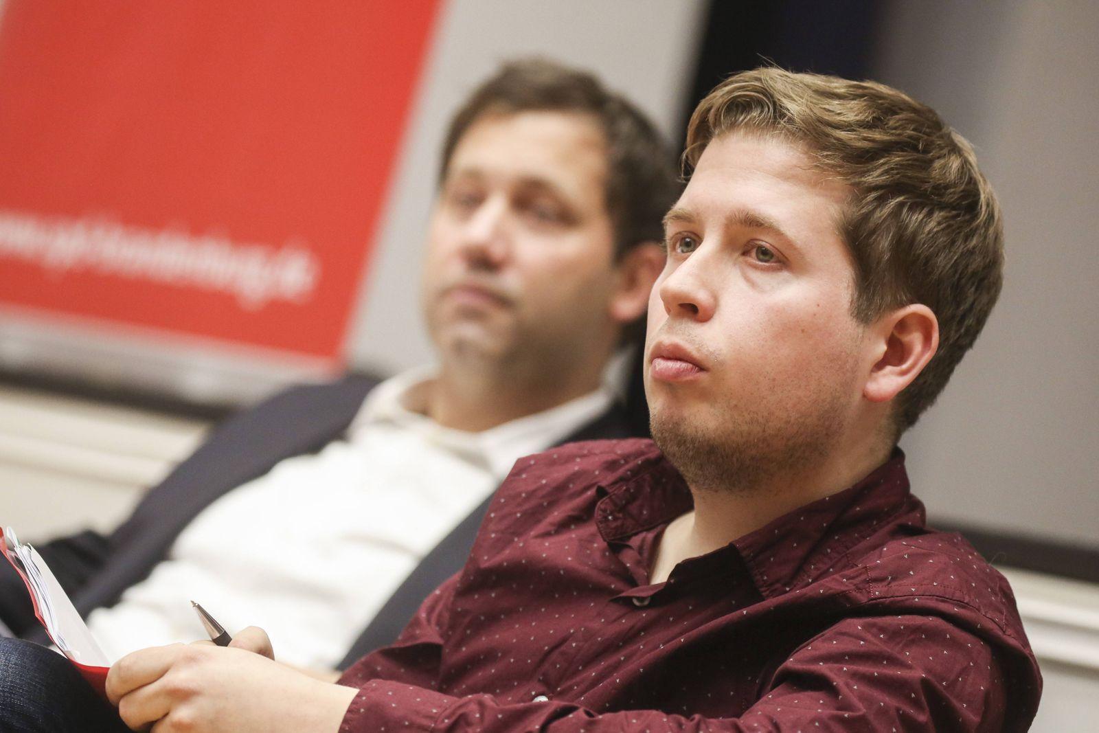 Lars Klingbeil Generalsekretär und Kevin Kühnert Juso Chef bei der Diskussion über die geplante g