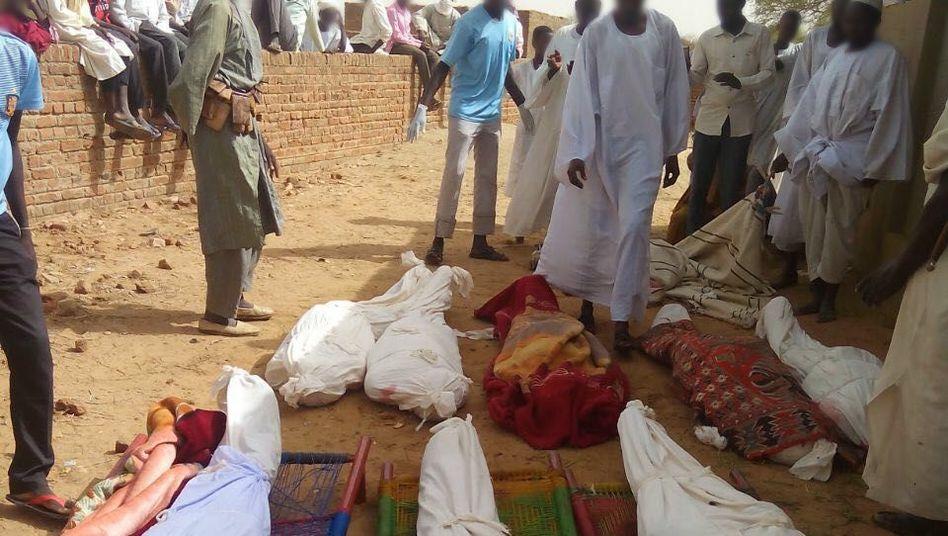 Opfer der Regierungsoffensive in Thur, Darfur-Region, Sudan