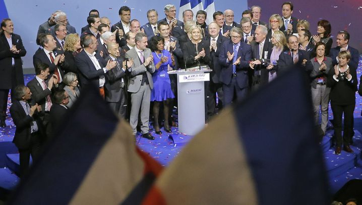 Le Pens Wahlkampfauftakt: Frankreich first