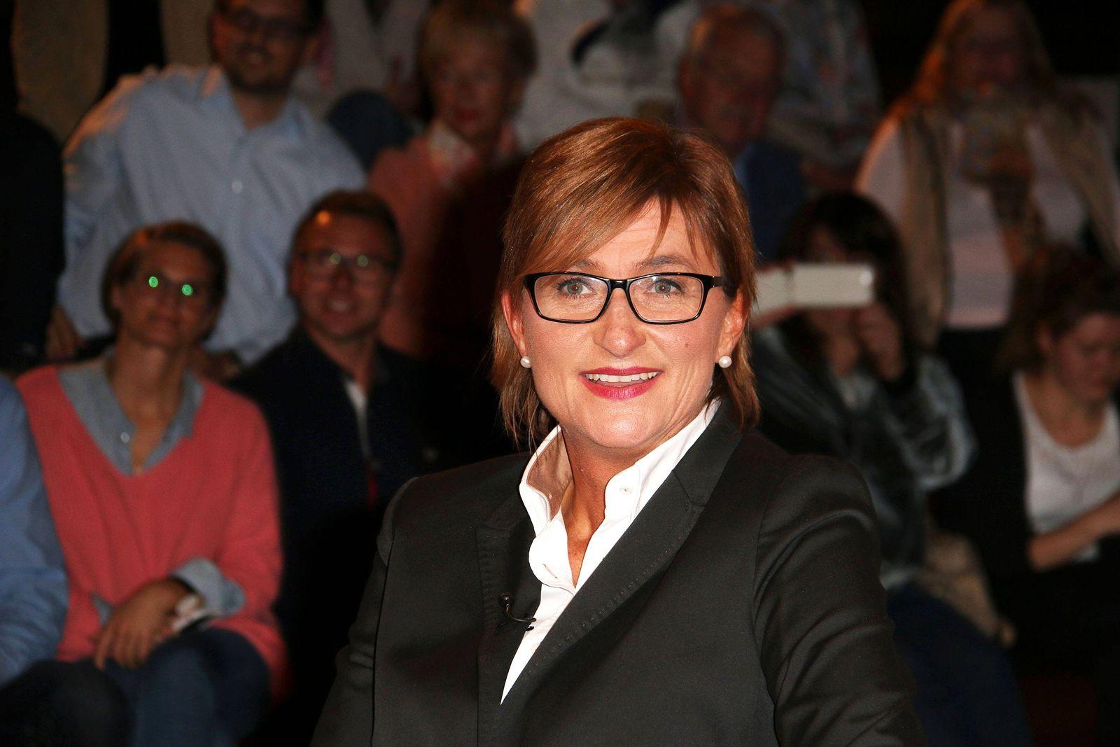 EINMALIGE VERWENDUNG Simone Fleischmann