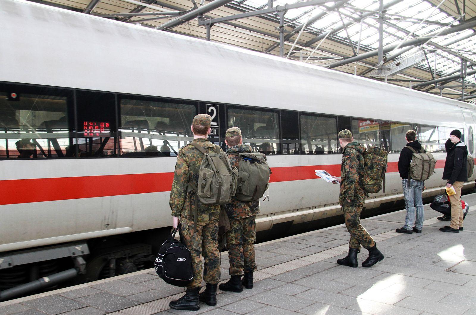 EINMALIGE VERWENDUNG Bundeswehr/ Bahn