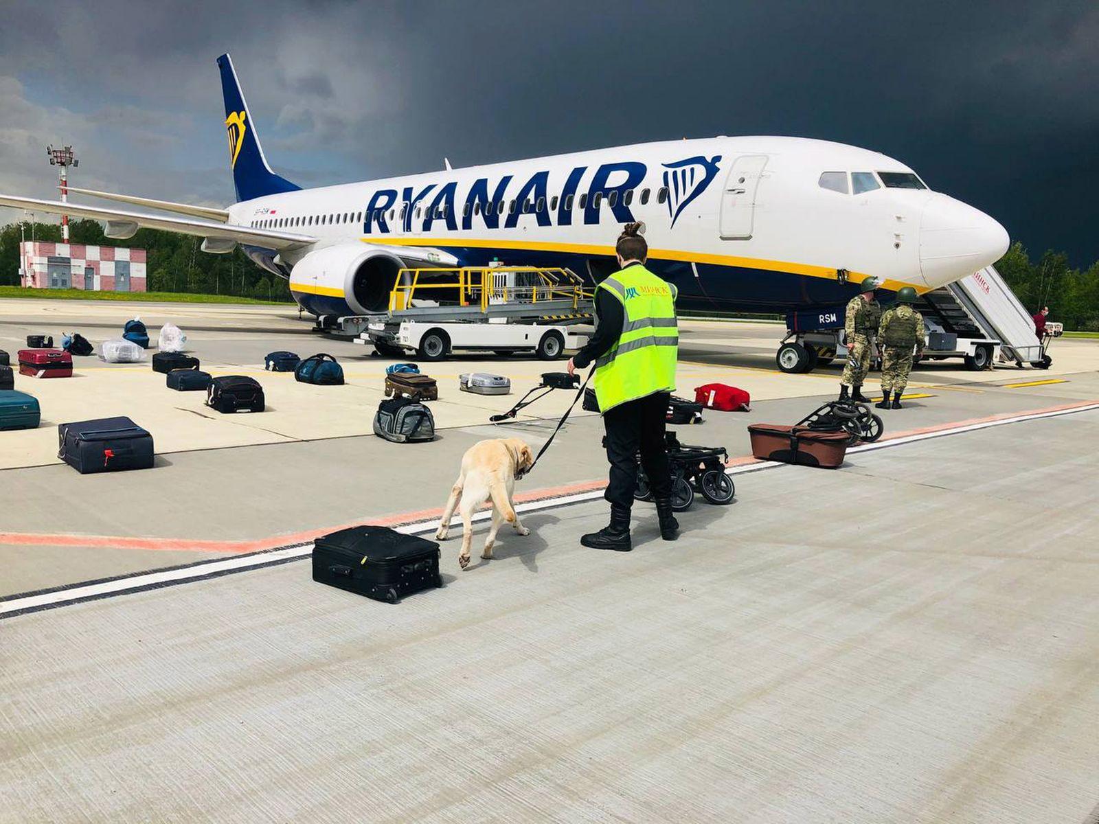 Opposition journalist travelling on Ryanair flight arrested in Minsk