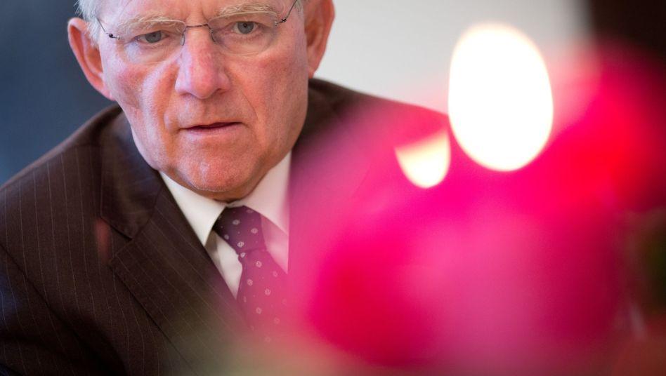 Finanzminister Wolfgang Schäuble (CDU): Mehr Steuern, weniger Sozialleistungen