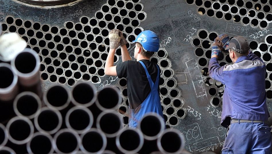 Arbeit an einem Gasbrennkessel: Maschinen- und Anlagenbauer bekommen die schwächelnde Konjunktur oft als erstes zu spüren