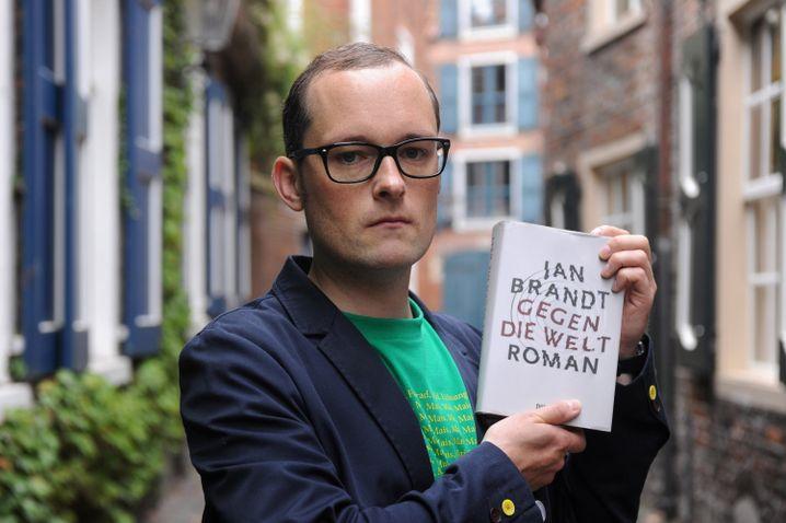 """Jan Brandt, Autor des hochgelobten Romans """"Gegen die Welt"""" von 2011"""