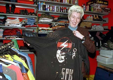Kunstpädagogin Birgit Richard sammelt alles, was sich nicht aus eigener Kraft retten kann