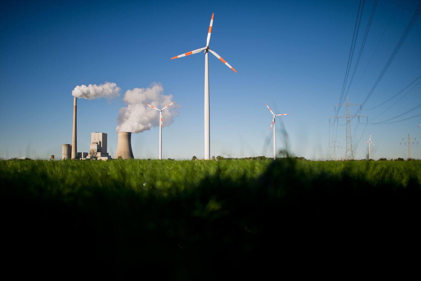 Energie / Kraftwerk / Windrad / Energiewende