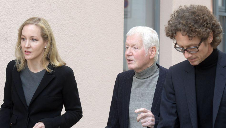 Anton Schlecker (Mitte mit seinen Kindern Meike (l.) und Lars (r.)
