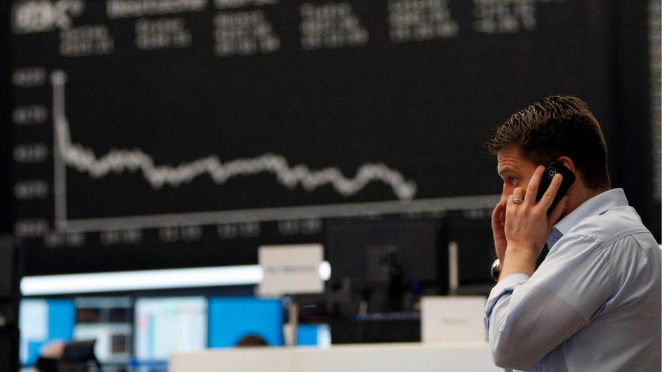 Frankfurter Börse im Februar: Banken klären ihre Kunden nicht genügend über Risiken auf