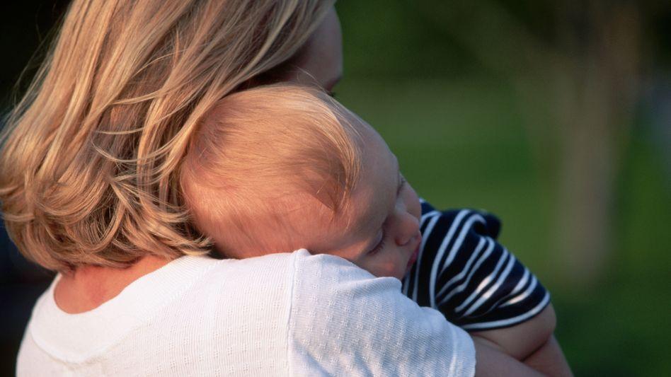 Mutter und Kind: Die Fruchtbarkeit hängt nicht nur von der Eierstockreserve ab