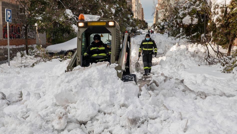 Schneemassen in Madrid: Kontinentales Klima führt zu kalten Wintern in Spaniens Hauptstadt