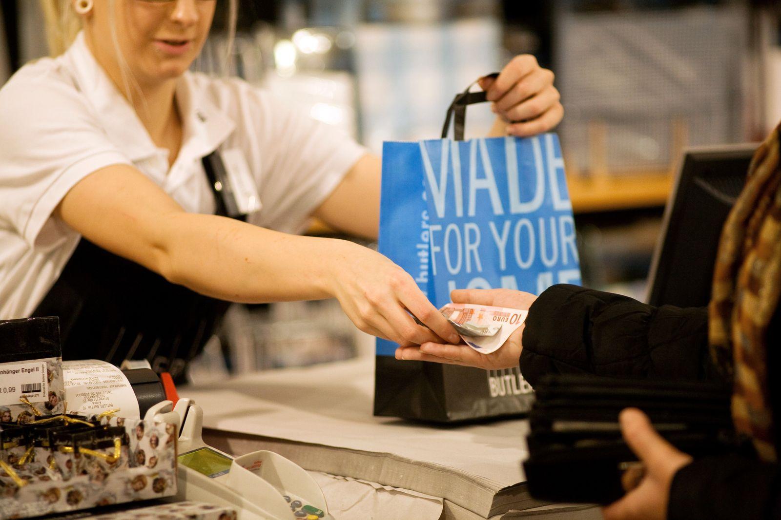 Einzelhandel / Kassiererin