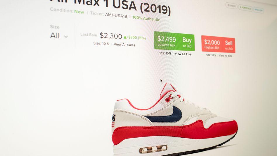 Schon zum Sammlerstück geworden: Das zurückgezogene Nike-Modell auf einer Versteigerungsplattform