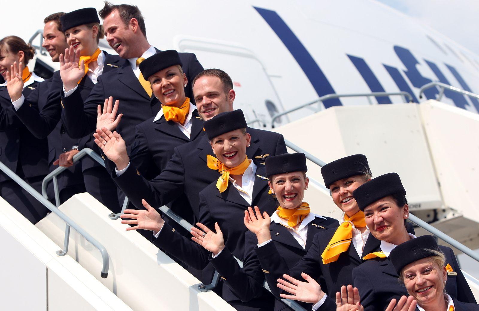 "Lufthansa Christens ""Berlin"" Airbus A380"
