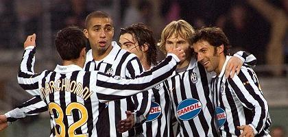 Jubelnde Juventus-Spieler: Schiedsrichter unter Verdacht