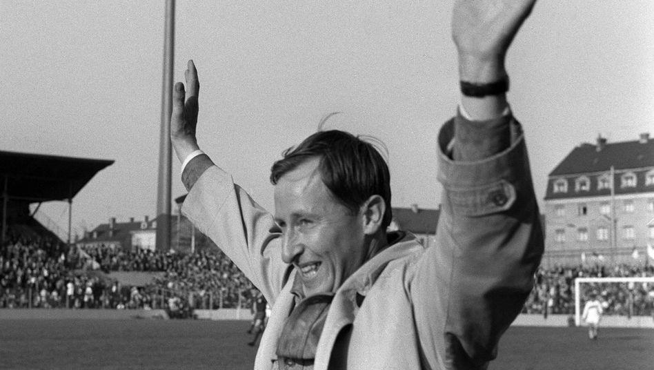Rudi Gutendorf als Trainer des VfB Stuttgart im Jahr 1965