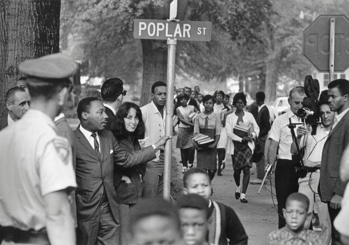 """Bürgerrechtler King, Baez in Grenada, Mississippi, 1966: """"Er hat mich im Gefängnis besucht"""""""