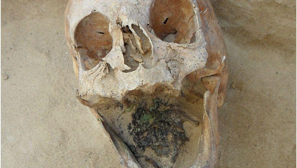 Gruseliger Friedhofsfund: Die Spuren der Untoten