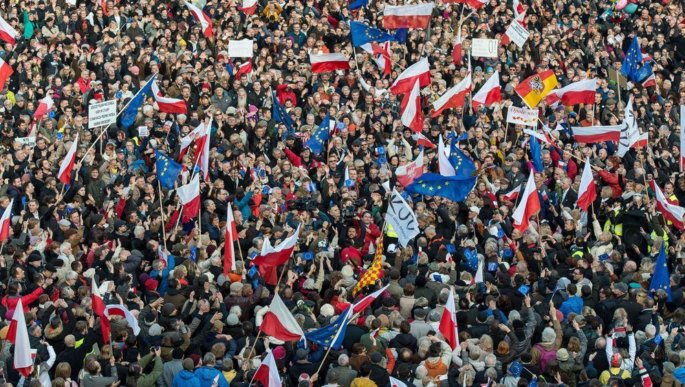 Proteste in Polen: Tausende gegen die PiS