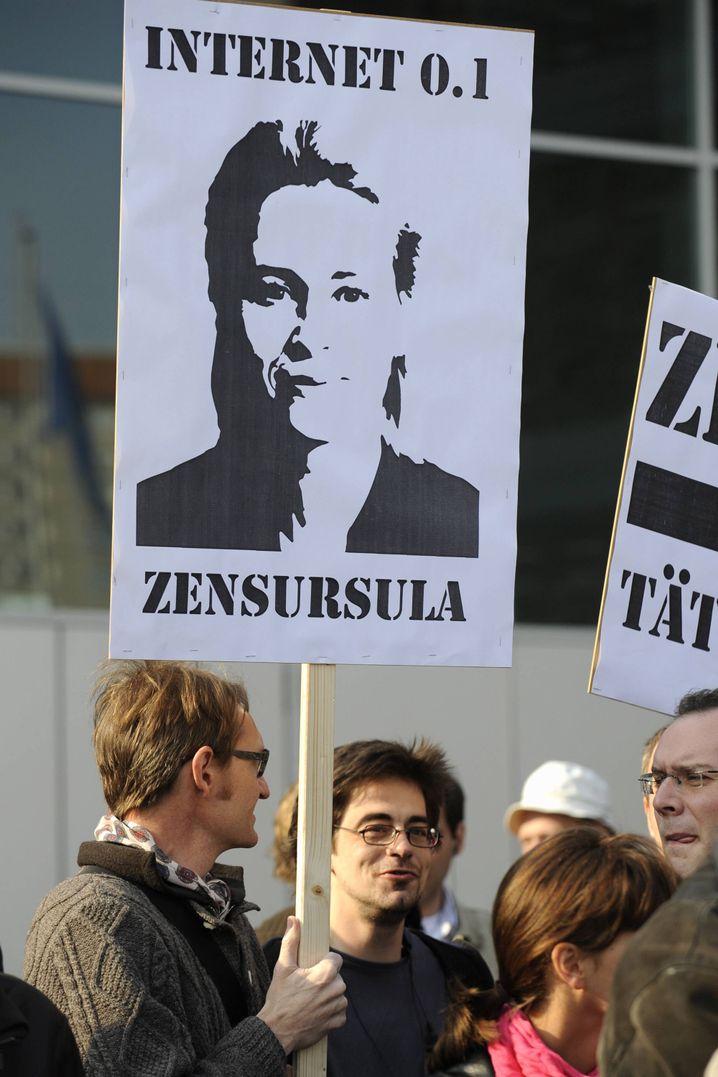 Protest gegen Familienministerin Ursula von der Leyen: Per Online-Petition wuchs der Widerstand gegen ihre Netzsperren zu einer Protestbewegung