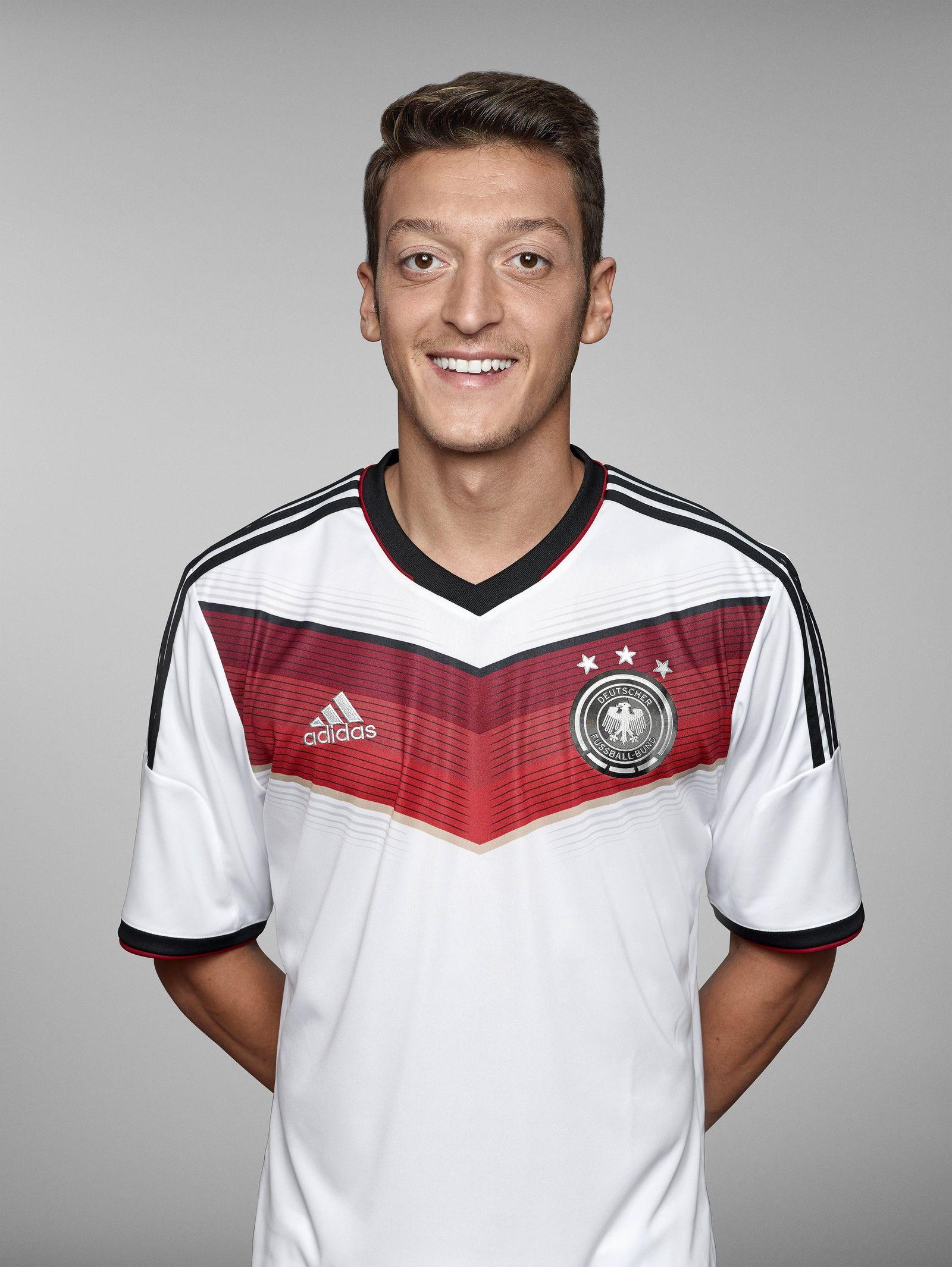 Fototermin Nationalmannschaft - Mesut Özil