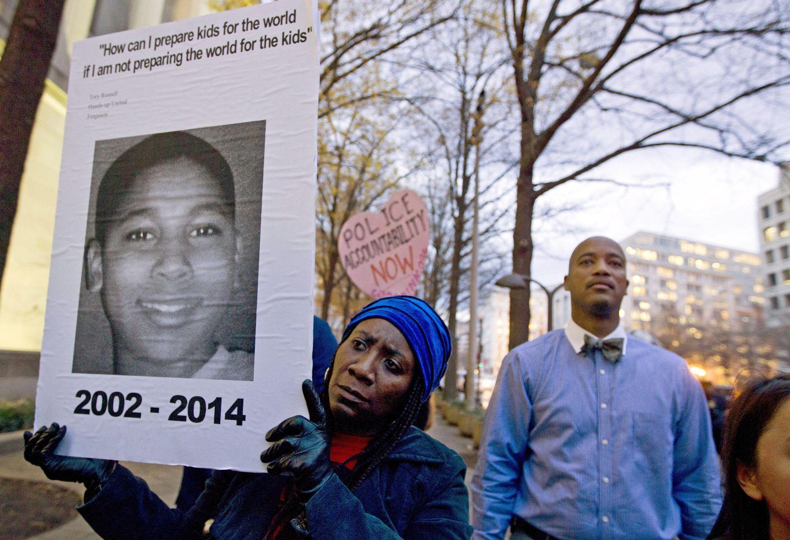 Cleveland Demonstration Tamir Rice 2014