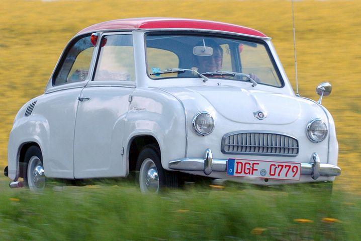 Das Glas Goggomobil: Das Bild zeigt ein Goggo T 300. Der Autoknirps erreichte Kultstatus im Nachkriegsdeutschland - und sogar die englische Prinzessin Margaret, Schwester der Queen, ließ sich darin chauffieren