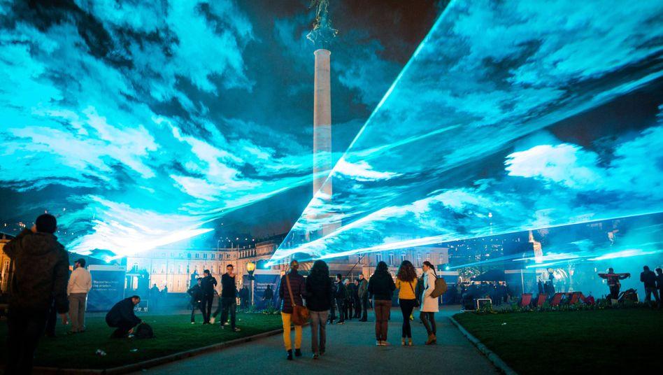Lasershow auf dem Stuttgarter Schlossplatz