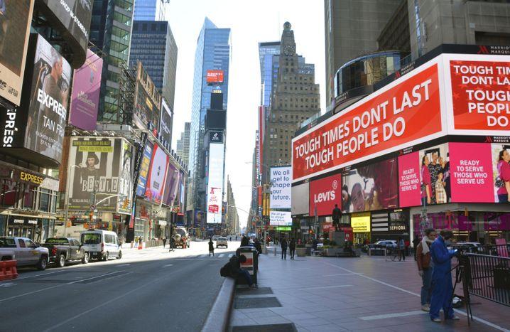 Der menschenleere Times Square in Manhattan: New York ist das Epizentrum der Coronakrise in Amerika
