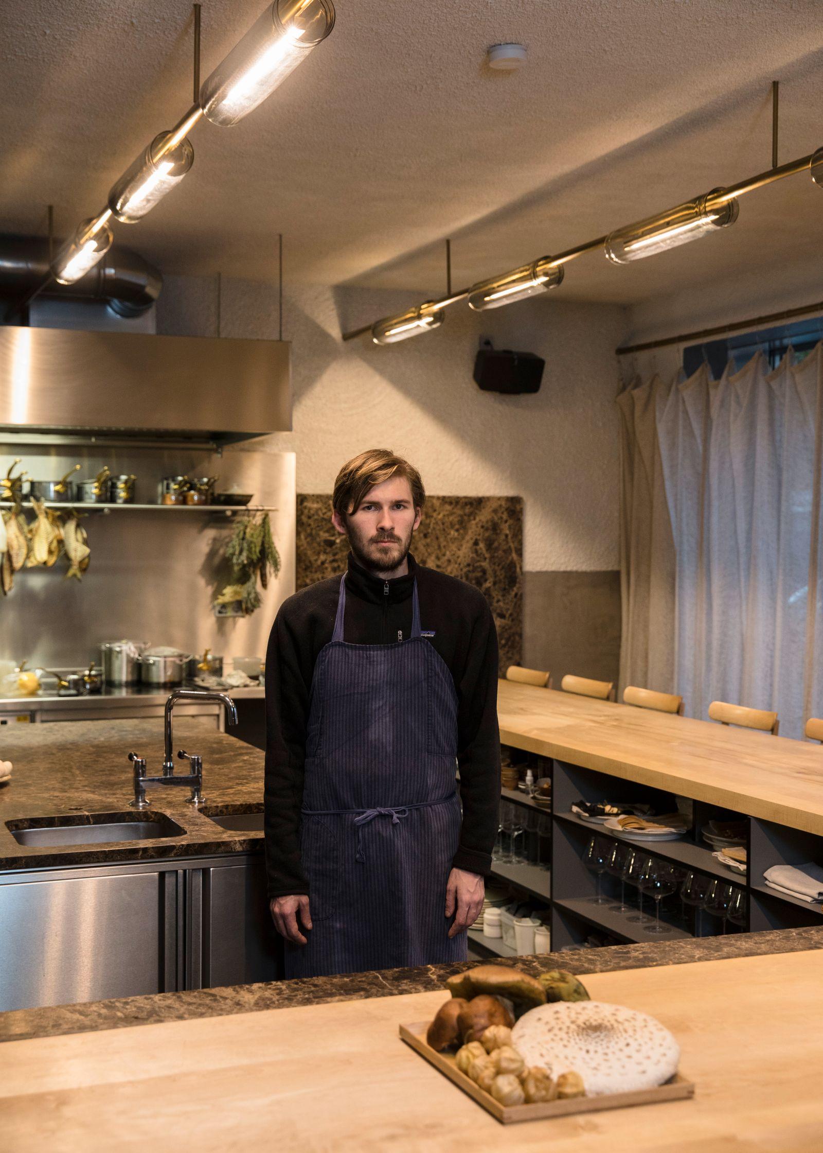 EINMALIGE VERWENDUNG AUFMACHER SP 45/2019 S. 132 Restaurant Ernst/ Dylan Watson-Brawn
