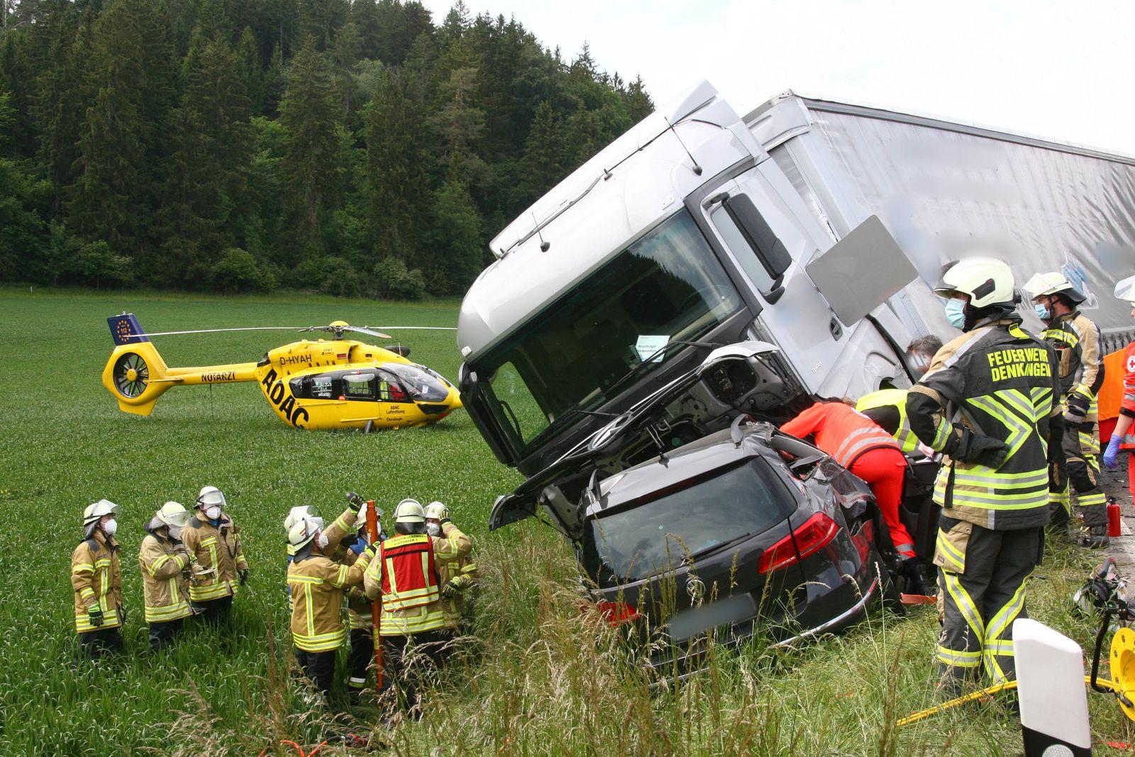 Schwerer Verkehrsunfall auf der B17