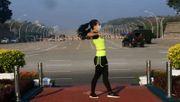 Fitness-Bloggerin filmt zufällig Militärputsch
