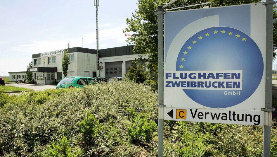 Flughafen Zweibrücken: Hoch verschuldeter Airport