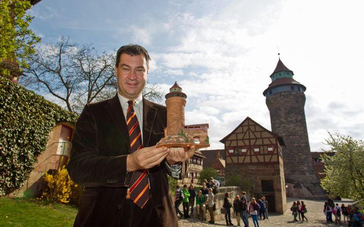Markus Söder vor der Nürnberger Burg