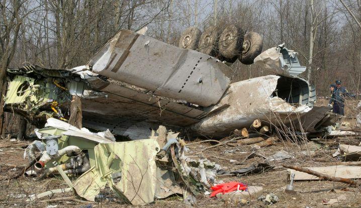 Trümmer der polnischen Präsidentenmaschine bei Smolensk (2010): Beim Landeanflug in dichtem Nebel zerschellt