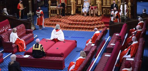 Großbritannien: Elizabeth II. eröffnet das britische Parlament